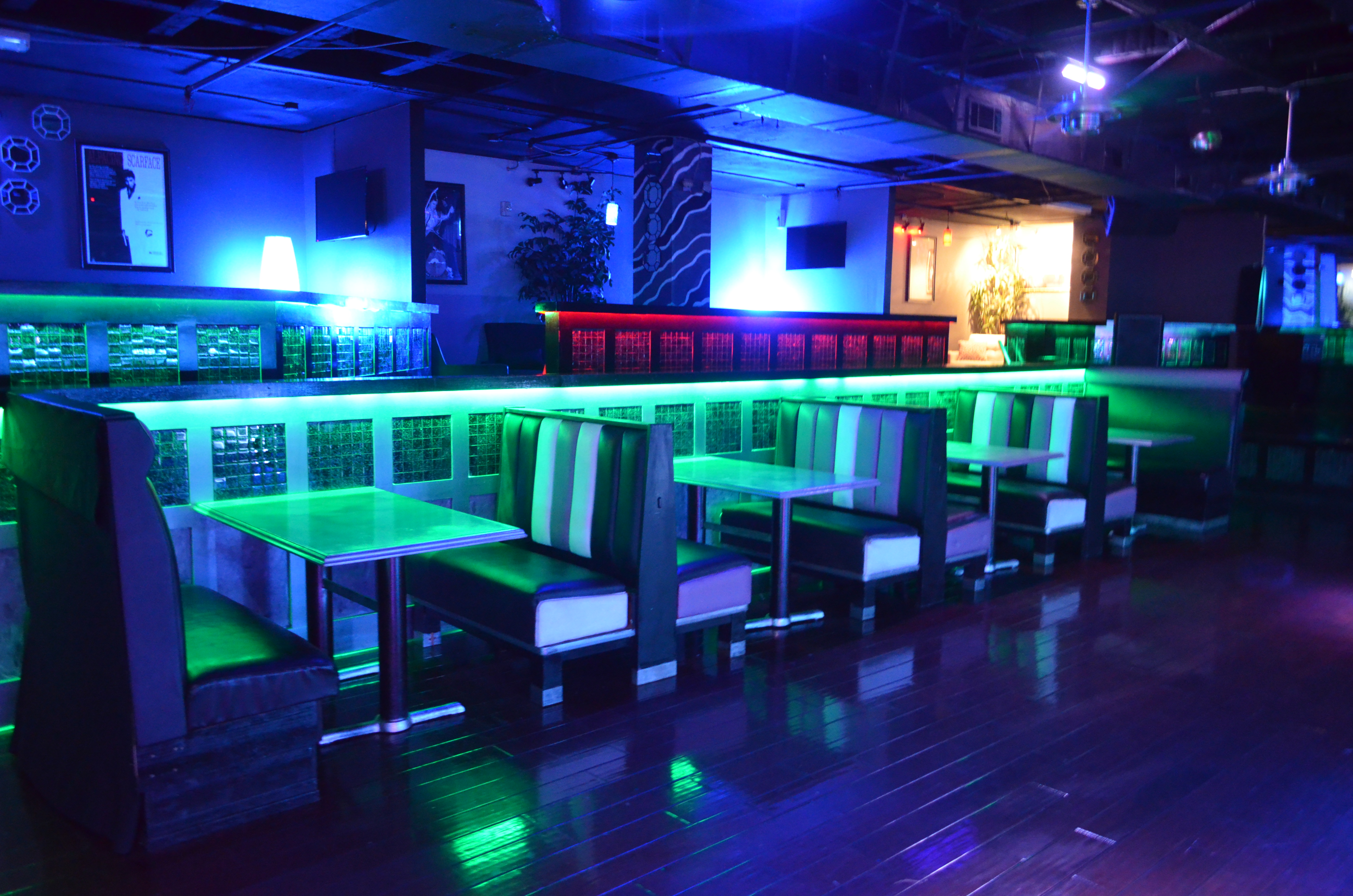 Booths and Tables Club Thirty IV Gulfport, MS
